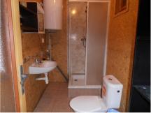 5L Chaty k pronájmu, kuchynka, WC, sprcha