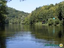 řeka před chatou