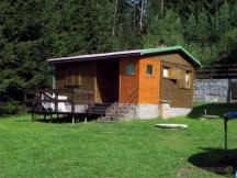 chata Lada, kuchyňský kout s vařičem, chladnička, kuchyn, splachovací WC