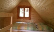 Chata Silva je 4-lůžková patrová chata s vlastním sociálním zařízením a teráskou.