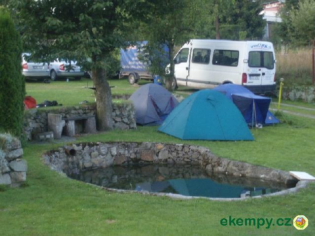 Mini Kühlschrank Zelten : Mini camping vodácké tábořiště karlovy vary karlovy vary der